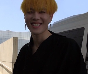 JB, JR, and yellow hair image