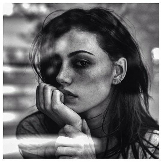 black and white, phoebe tonkin, and model image