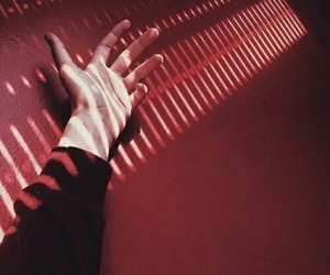 aesthetic, hand, and red image