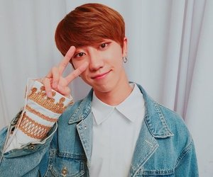idol, Seventeen, and minghao image