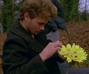 aesthetic and river phoenix image