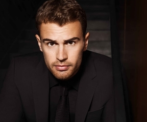 theo james, divergent, and insurgent image