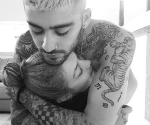 couple, gigi hadid, and zayn malik image