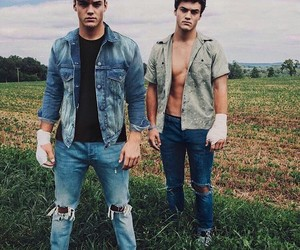 ethan, twins, and grayson dolan image