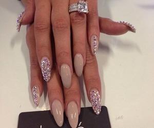 nails and diamond image
