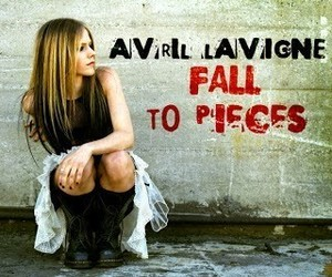 2004, Avril Lavigne, and fall to pieces image
