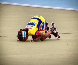 speed skating, patinaje de velocidad, and patinaje colombiano image