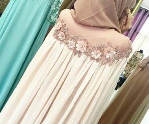 beauty, dress, and hijab image