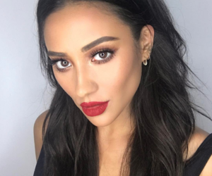 shay mitchell, pretty little liars, and beauty image