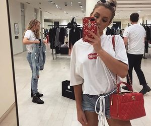 tammy hembrow and blonde image