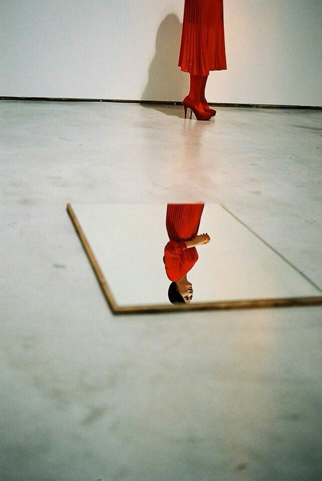 Imagem de dress, mirror, and reflexion