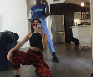 maggie lindemann and outfit image