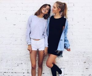friends, outfit, and friendship image