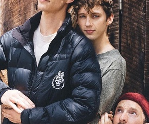 troye sivan, jacob bixenman, and tracob image