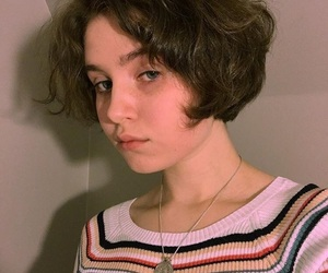 aesthetic, short hair, and vintage image