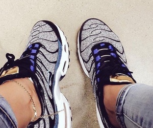 nike, sapatos, and sneakers image