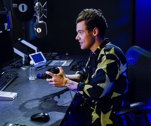 Harry Styles and live+lounge image