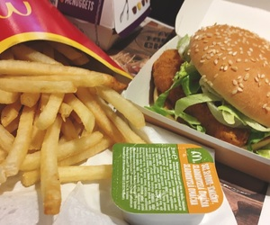 dinner, drink, and fastfood image