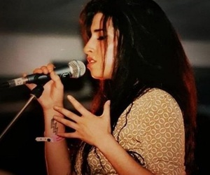 Amy Winehouse, celebrity, and music image