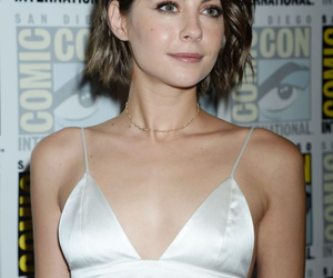 hair, new, and willa holland image