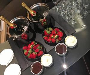 luxury, chocolate, and strawberry image