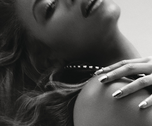 queen bey, bey, and 4 promo shoot image