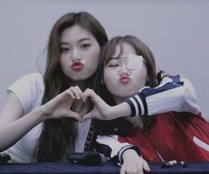 yoojung, doyeon, and weki meki image