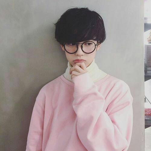 boy, ulzzang, and pink image