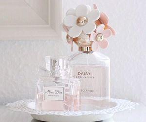 perfume, daisy, and dior image