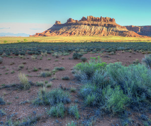 arches, mountains, and national park image