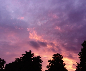 purple sky and sky image