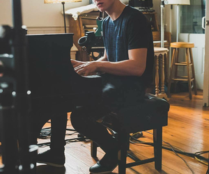 shawn mendes, piano, and boy image