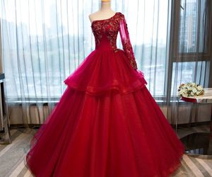 beautiful dress, one shoulder, and prom dress image