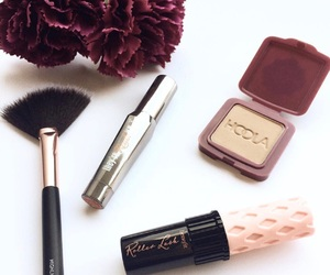 addict, beauty, and benefit image
