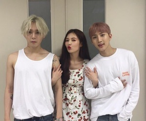 edawn, hyuna, and triple h image