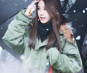 snow, twice, and chaeyoung image