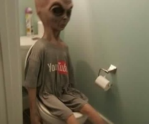 alien and youtube image