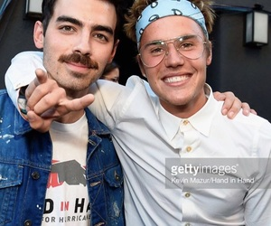 boy, Joe Jonas, and justin bieber image