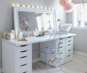 white, desk, and makeup image