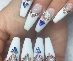nails and crystal image