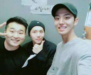 pentagon, jinho, and hong seok image