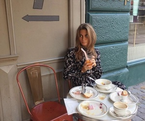 alone, beauty, and breakfast image