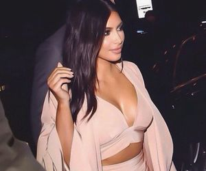 kim kardashian and fashion image