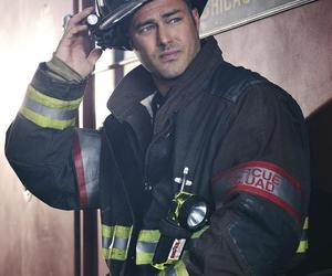 chicago fire, caserne 51, and taylor kinney image