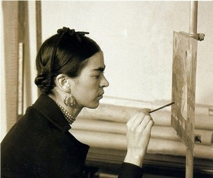 frida kahlo, pintar, and sueños y pesadillas image