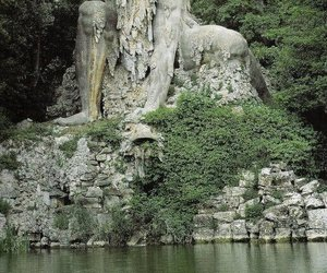 italy, Tuscany, and sculpture image