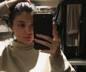 kylie jenner and selfie image