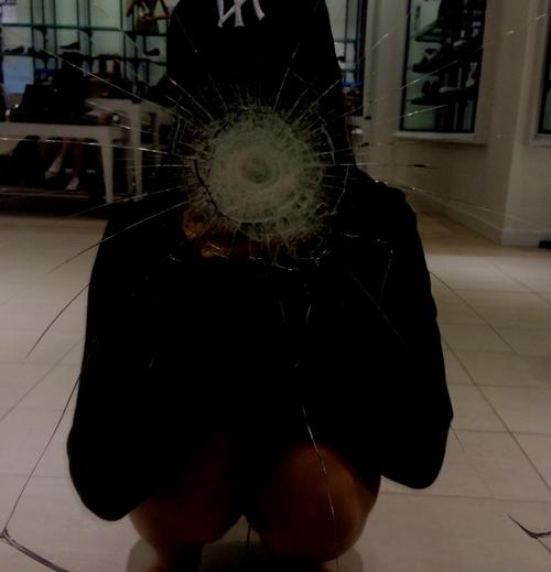 grunge, tumblr, and mirror image