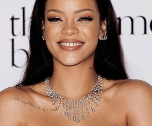 make up, rihanna, and smile image