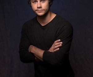 dylan o'brien, american assassin, and movie image